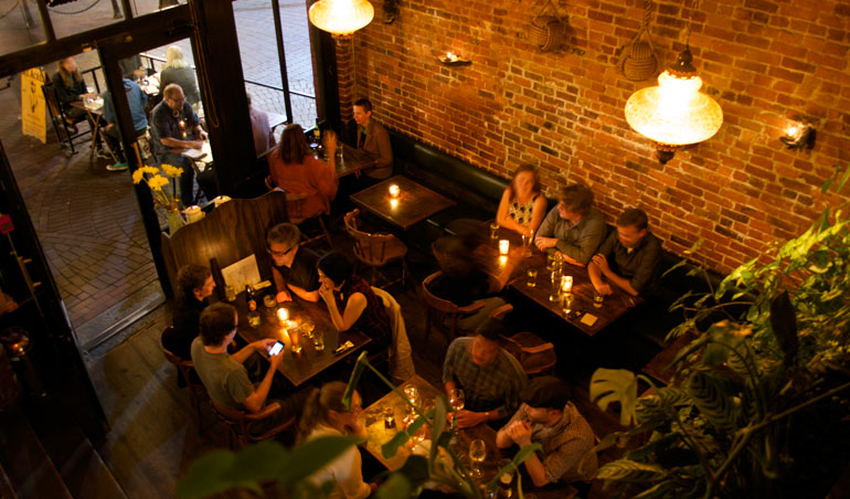 Six Acres gastropub in Gastown (Six Acres)