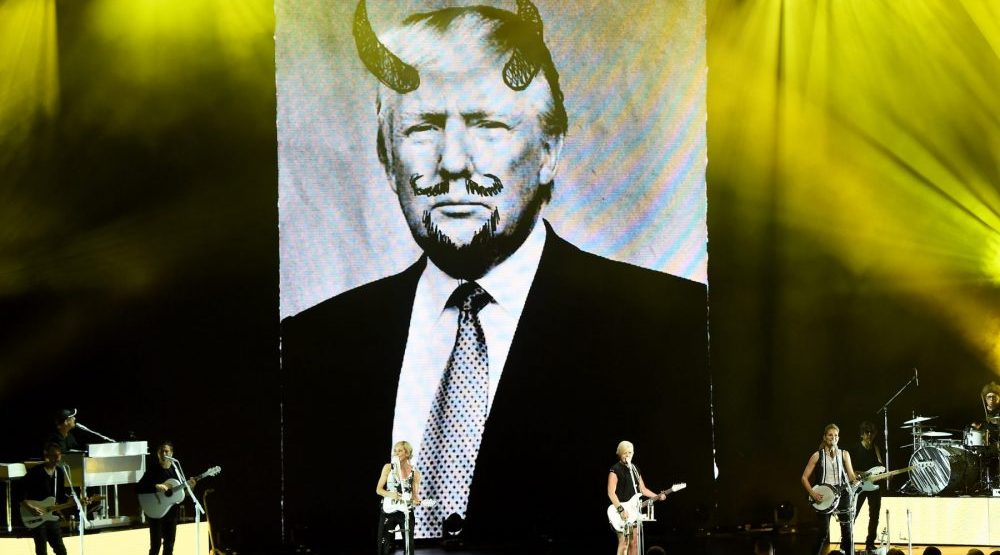 Concert Review: Dixie Chicks not ready to make nice just yet (PHOTOS)