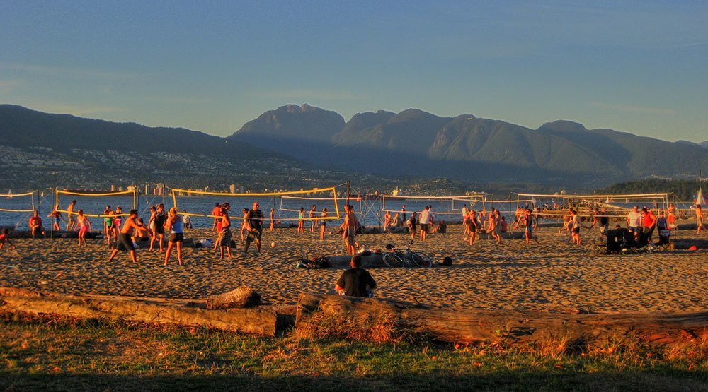 Volleyball at Spanish Banks (Kyle Pearce/Flickr)