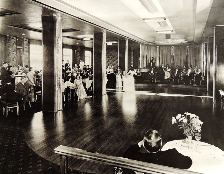 The Panorama Roof in 1940. Image via Fairmont Hotel Vancouver.