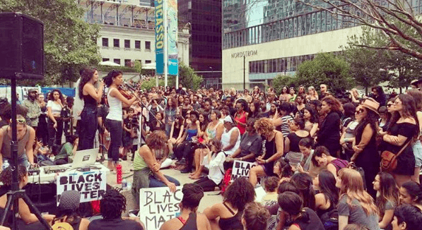 Hundreds flood Vancouver art gallery for Black Lives Matter vigil (PHOTOS)