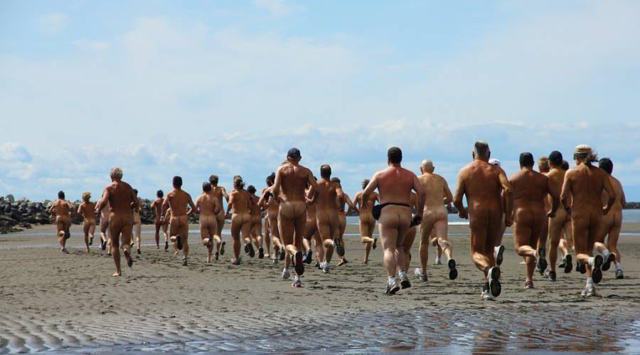Bare it all at Wreck Beach's Bare Buns Run 2016