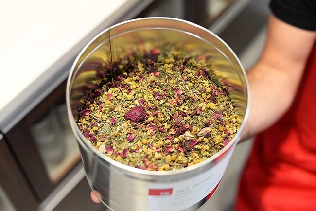 Fresh tea blends at Silk Road (Jess Fleming/Daily Hive)