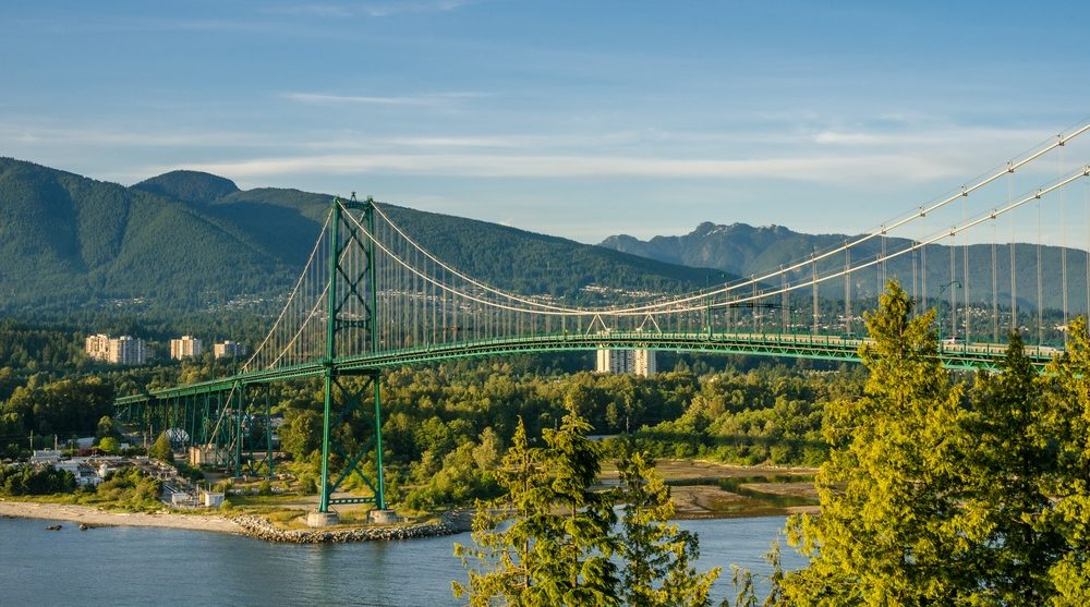 Lions Gate Bridge closed in both directions