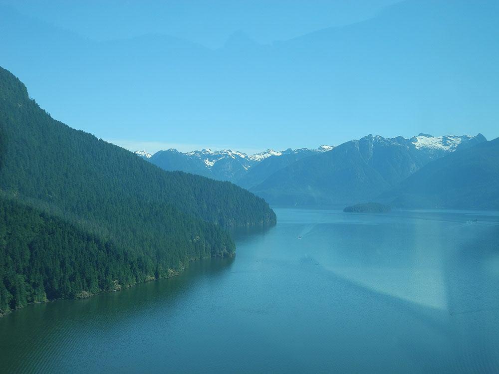 Pitt Lake (flightlog/Flickr)