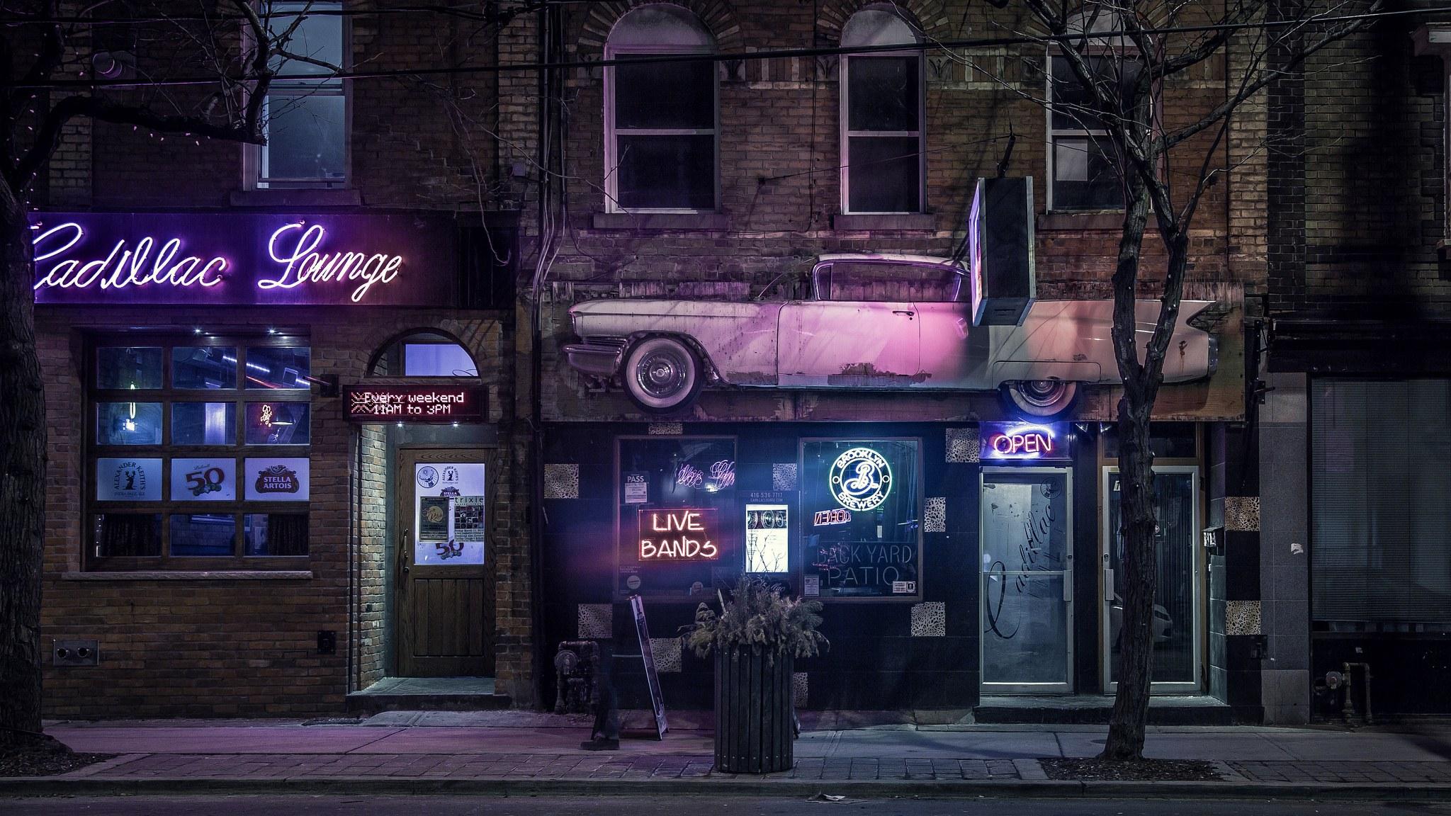 An entire Toronto neighbourhood just got free Wi-Fi for a year
