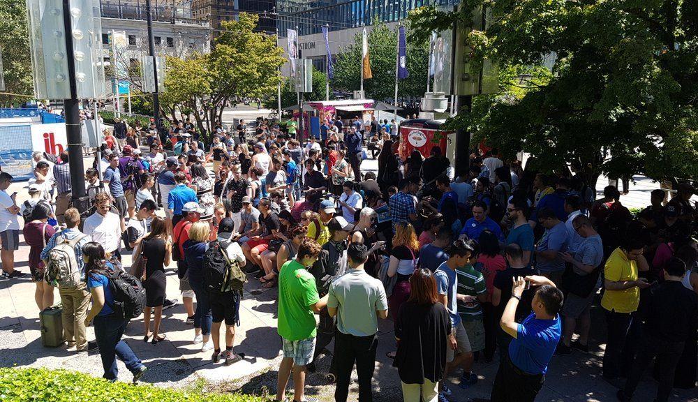 Pokémon GO mob takes over downtown Vancouver (PHOTOS)