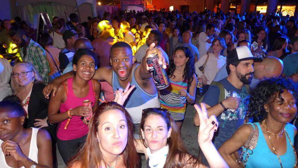 Salle comble au Rockstar Melting Pot Block Party pour The Jacksons