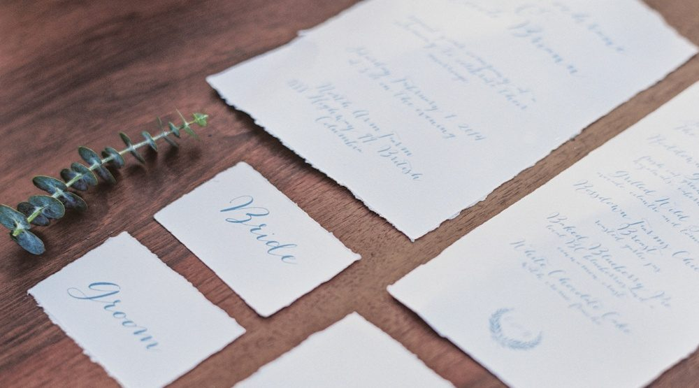5 wedding invitation etiquette questions answered