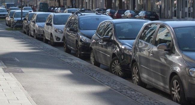 Parking/Shutterstock