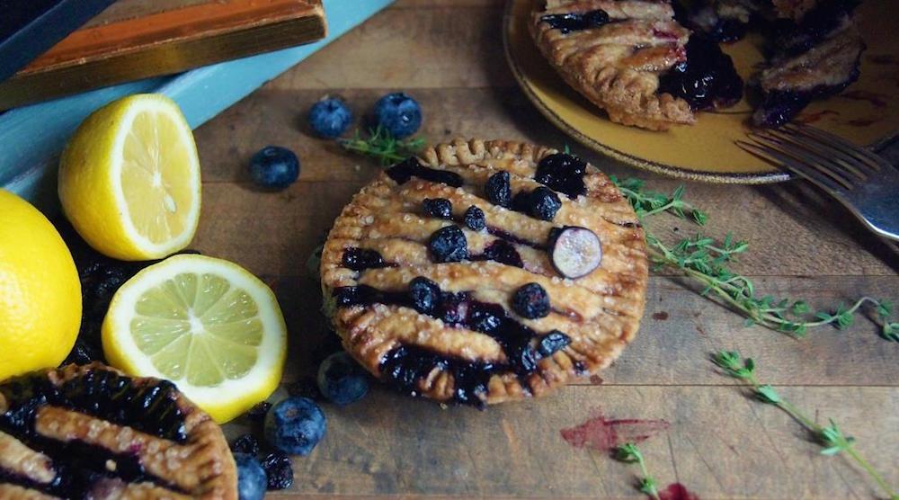 Yew four seasons blueberry pie2