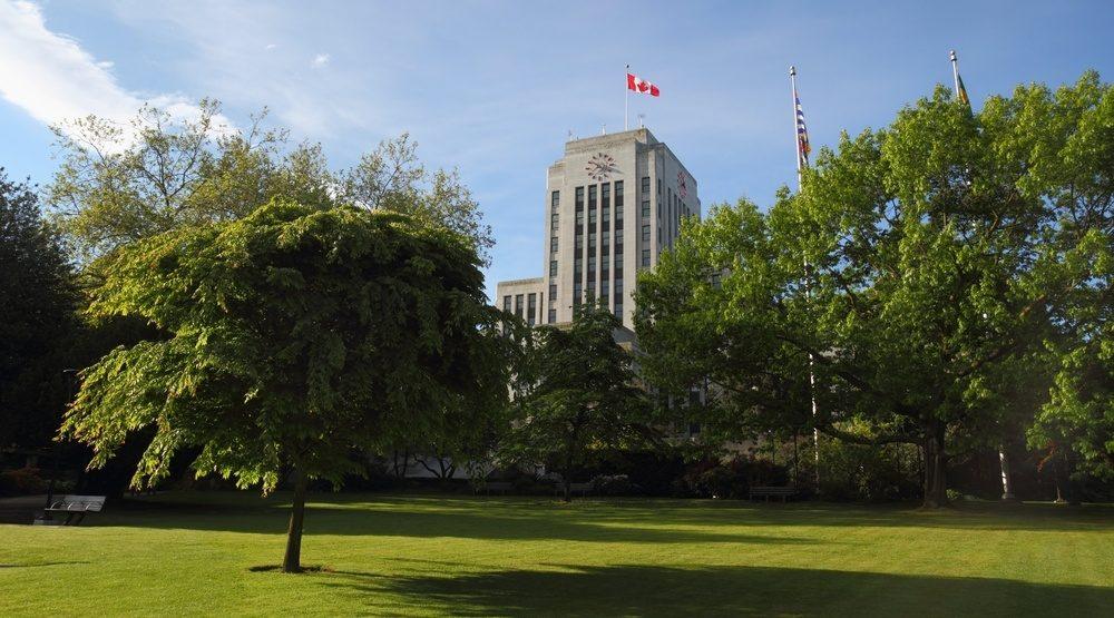 Vancouver city hall e1474501573961