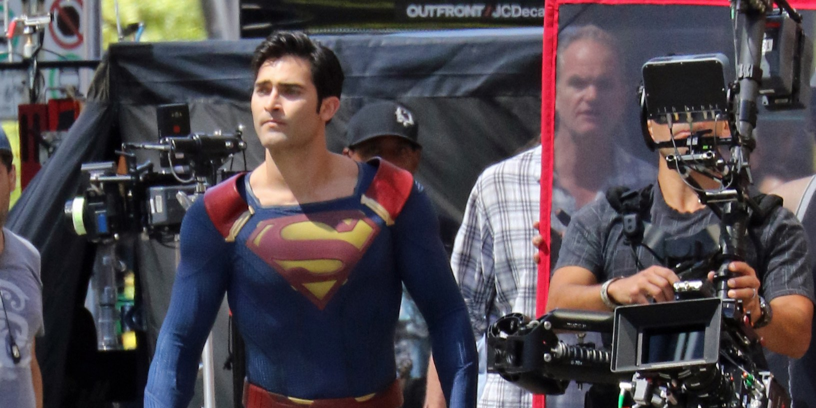 Tyler Hoechlin suits up as Superman for Supergirl shoot in Vancouver (Ken R/Daily Hive)