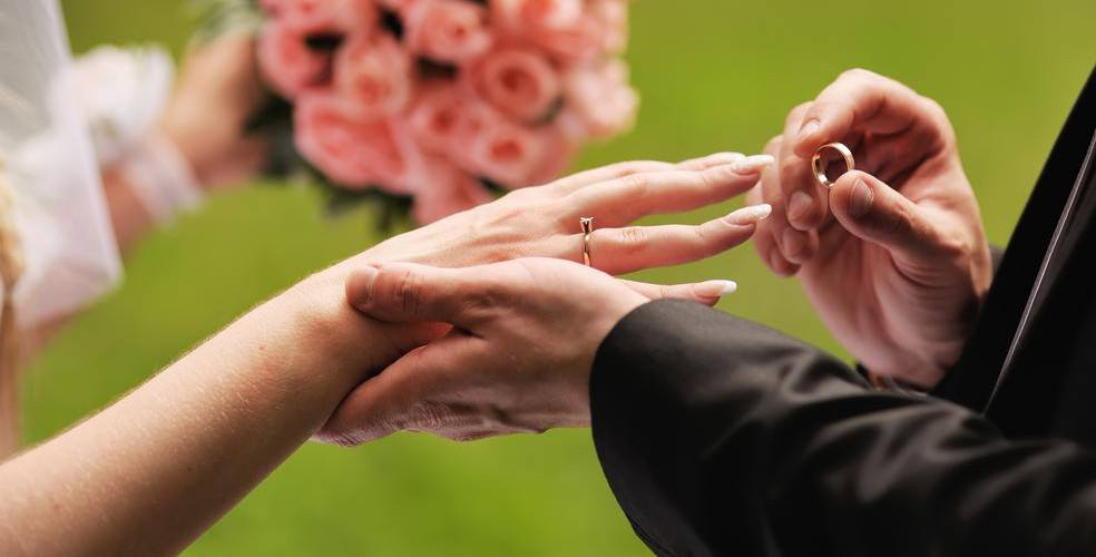 5 things to discuss before you get hitched