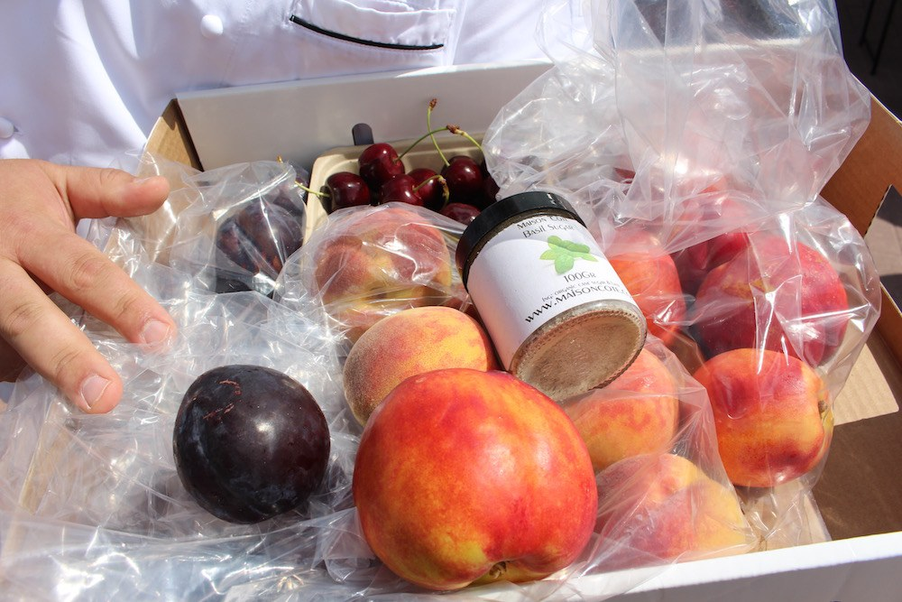 Berry season is giving way to stone fruit season (Lindsay William-Ross/Daily Hive)