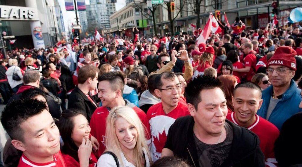 Vancouver 2010 fans e1470425026438