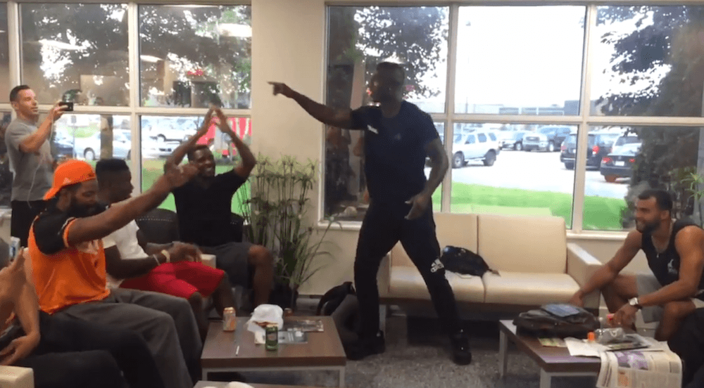 BC Lions get stranded in Montreal for 14 hours, hold epic jam session (VIDEO)