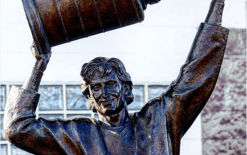 Wayne Gretzky's statue is on the move, getting a shine in Cochrane