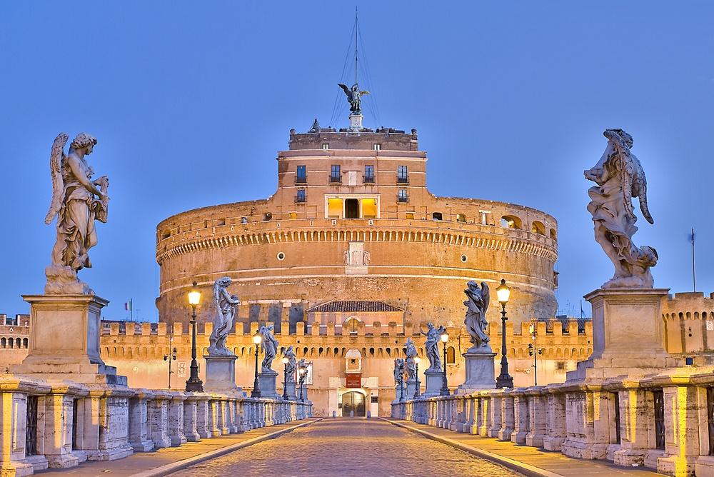 Castel Sant'Angelo/Shutterstock