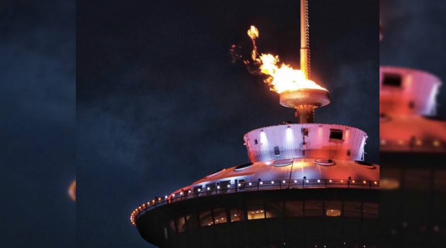 Calgary Tower sparks a flame for Penny Oleksiak (PHOTOS)