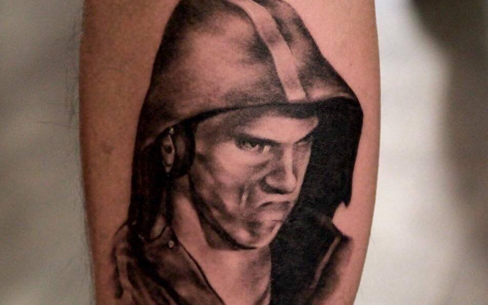 Toronto man gets Michael Phelps' mean mug tattooed on his leg