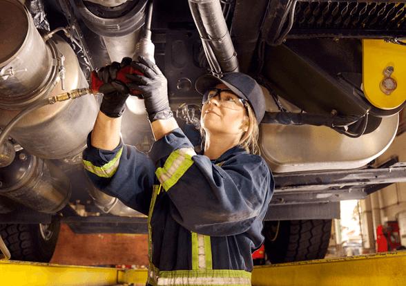 Heavy duty equipment technician/ITA