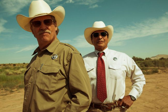 Marcus (Jeff Bridges) and Alberto (Gil Birmingham)