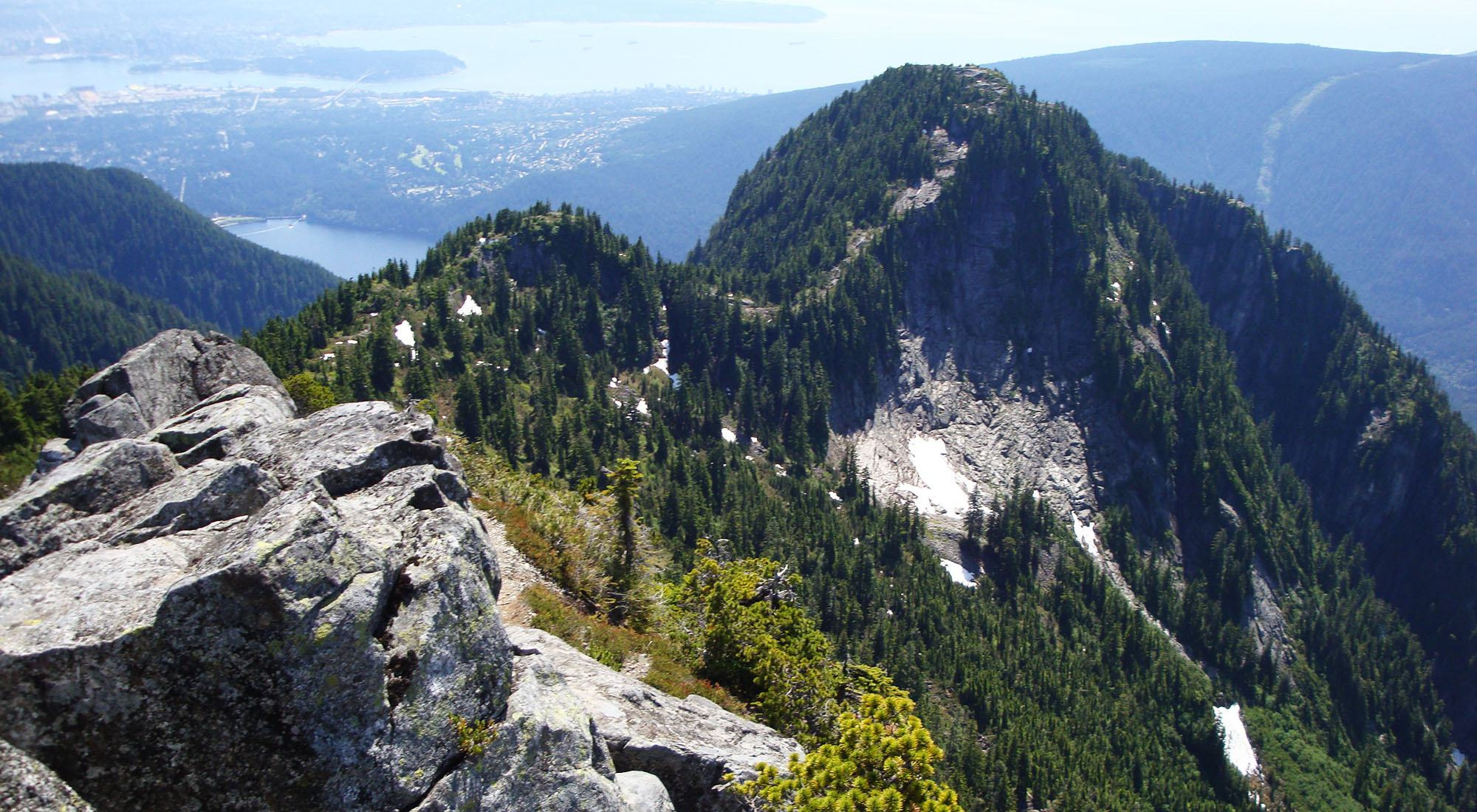 2 lost hikers rescued off Crown Mountain 'not at all prepared'