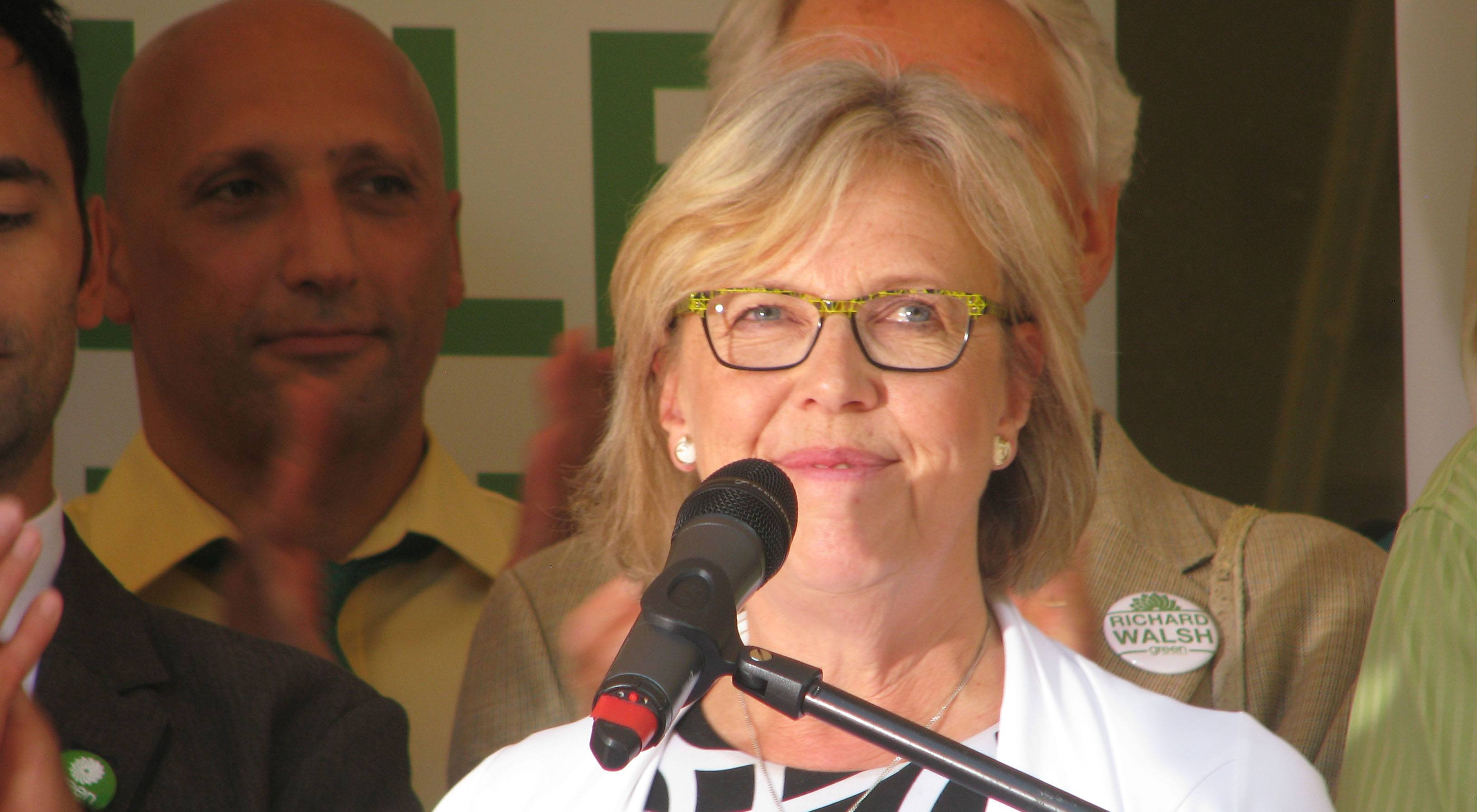 Elizabeth May to stay on as Green Party leader