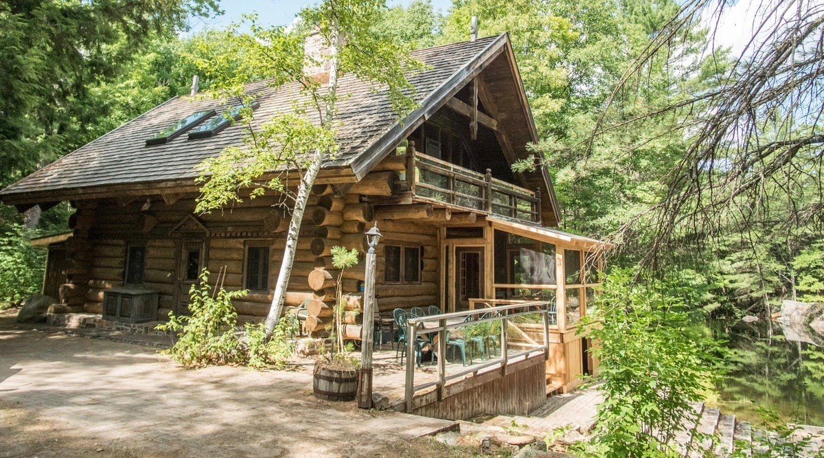 Famous Canadian artist's cottage up for sale just 2.5 hours from Toronto (PHOTOS)