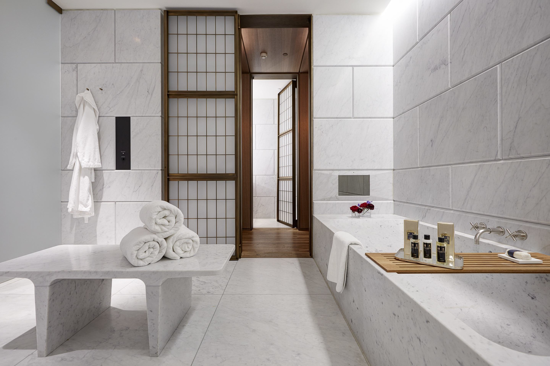 5 hotel cafe royal empire suite bathroom 1