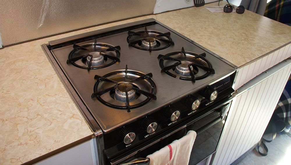 The stove in Emily Chambers' van (Jenni Sheppard/Daily Hive)