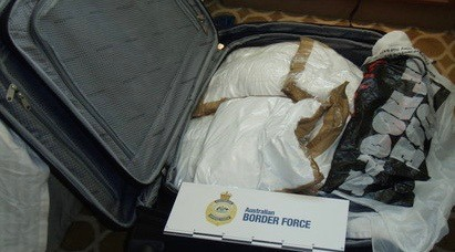 Canadians smuggle cocaine australia