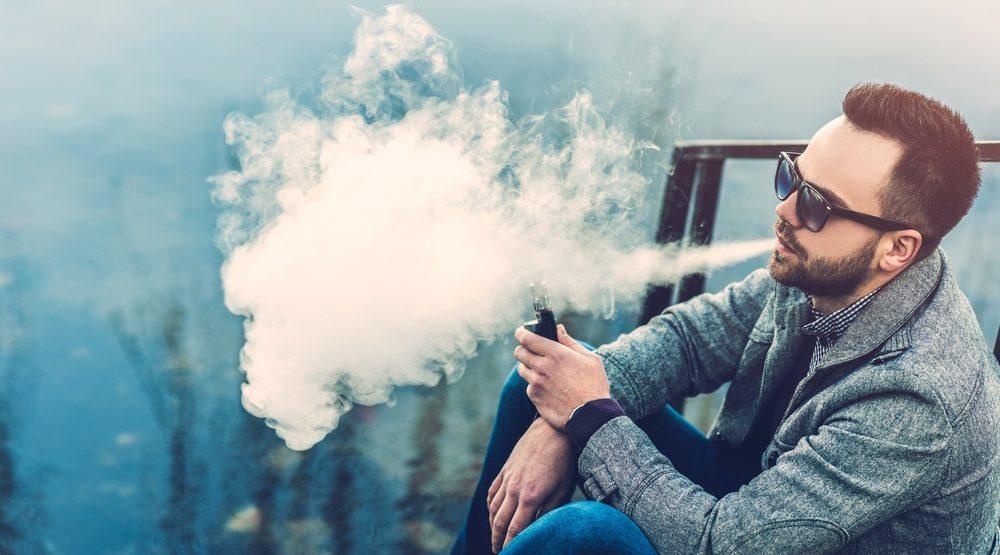 A man vaping (bedya/Shutterstock)