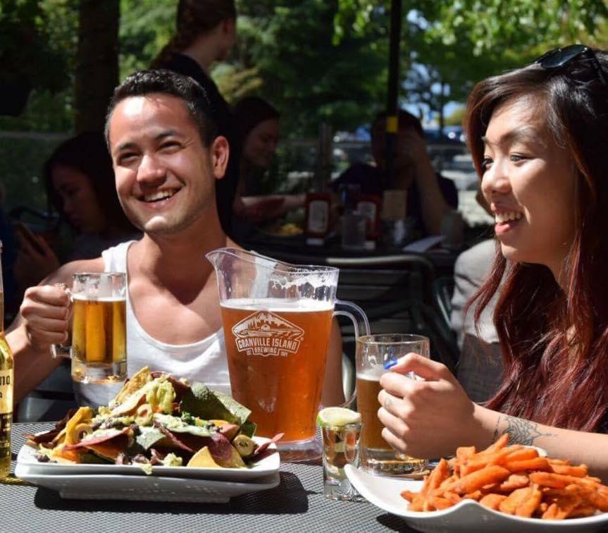 Happy drinkers on Club Ilia's patio (Club Ilia/Facebook)