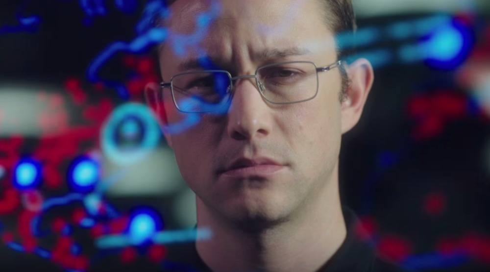 Win 2 tickets to watch the advance screening of Snowden (CONTEST)