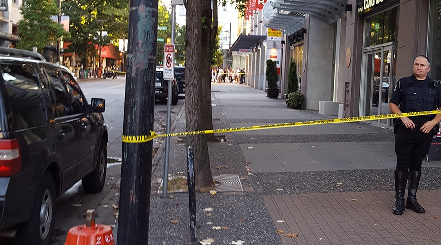 [UPDATED] Police incident shuts down Robson Street