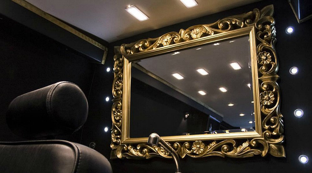 This Montreal salon will charge you $1,000 for a gold-infused shave