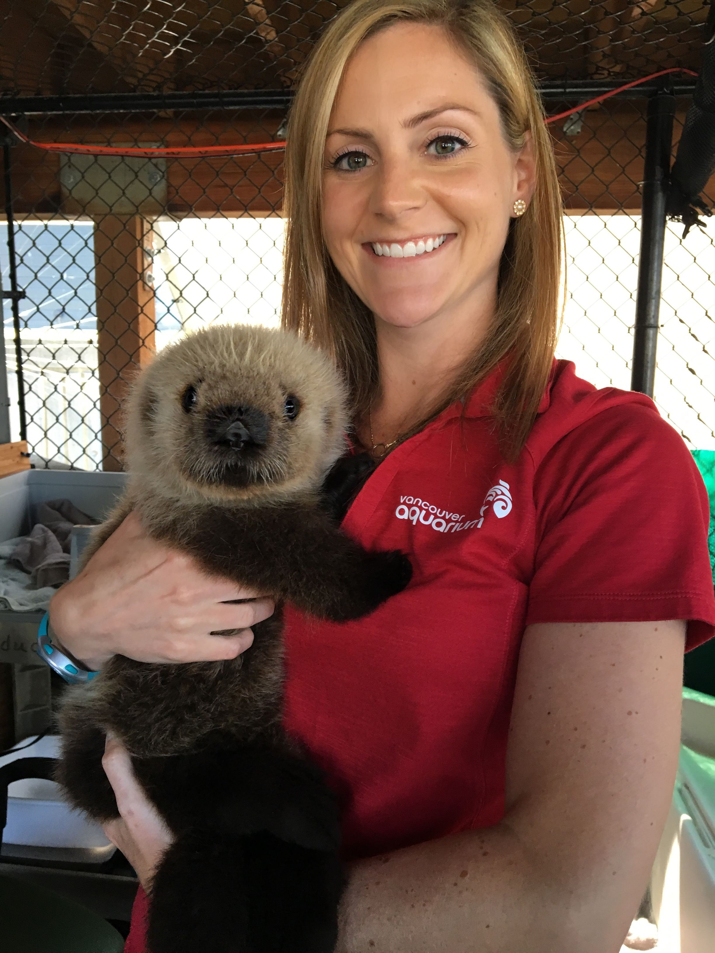 Vancouver Aquarium Veterinary Fellow Dr. Barb Linnehan poses with Rialto. Image: Vancouver Aquarium