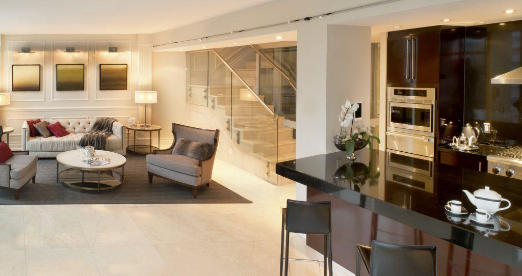 Toronto hotel suites