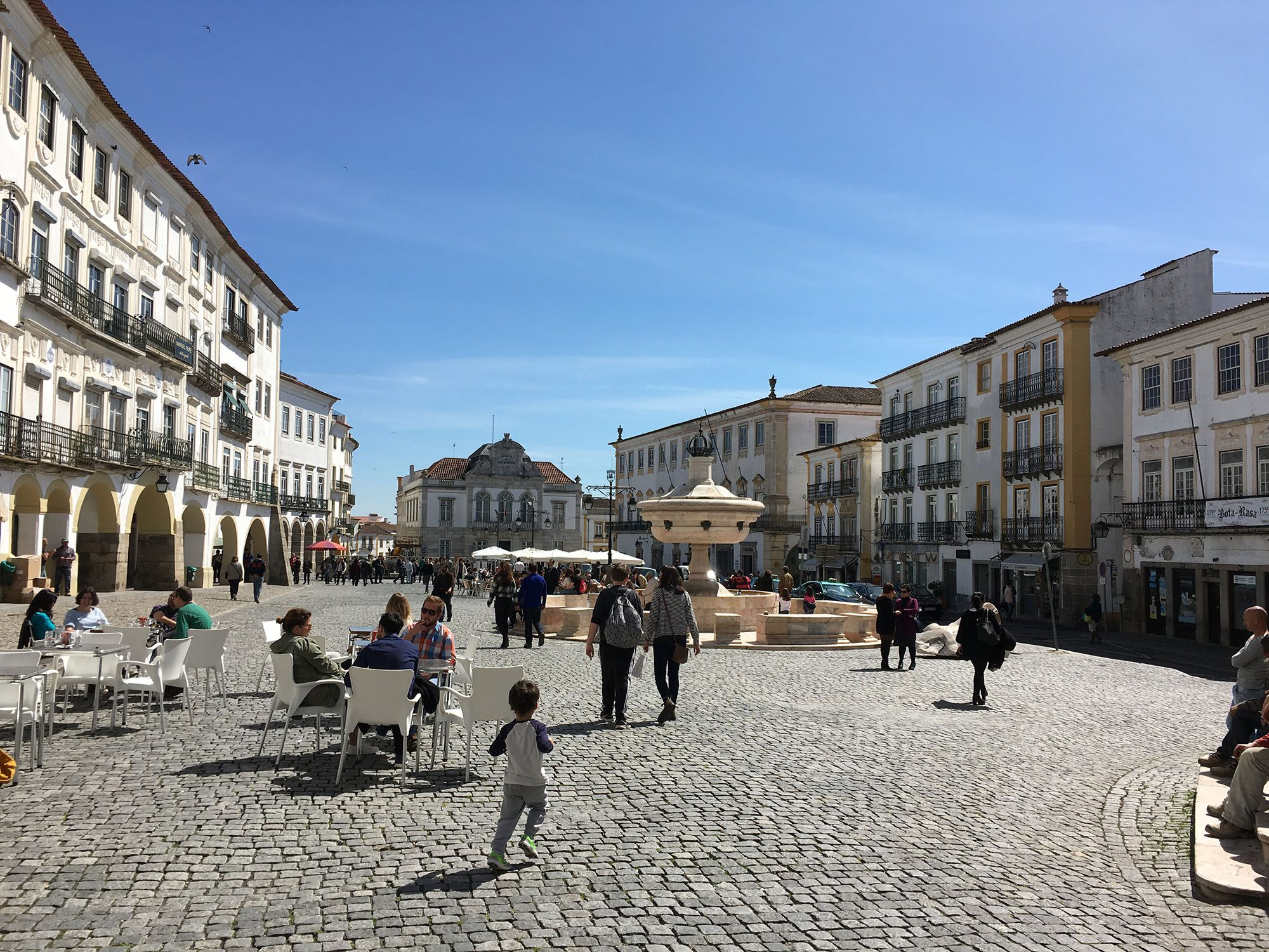 The Praca de Giraldo is Evora's main square and the home of many shops and restaurants. (Kevin Chong)