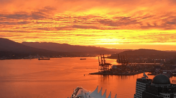 19 photos of a stunning, fiery Vancouver sunrise