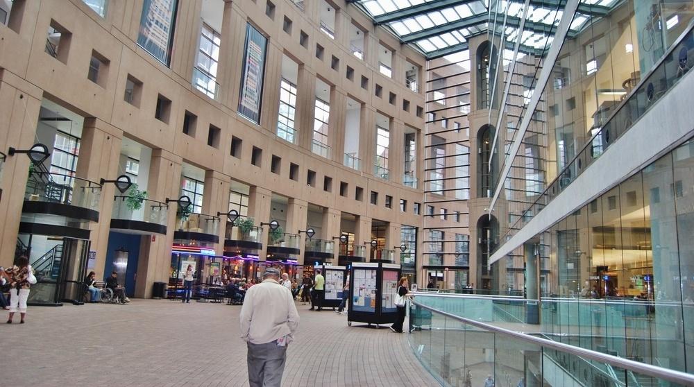 'Supergirl' filming soaks Vancouver Public Library after sprinklers go off