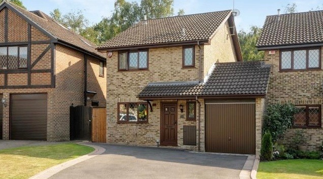 Harry Potter's house at 4 Privet Drive is officially up for sale (PHOTOS)