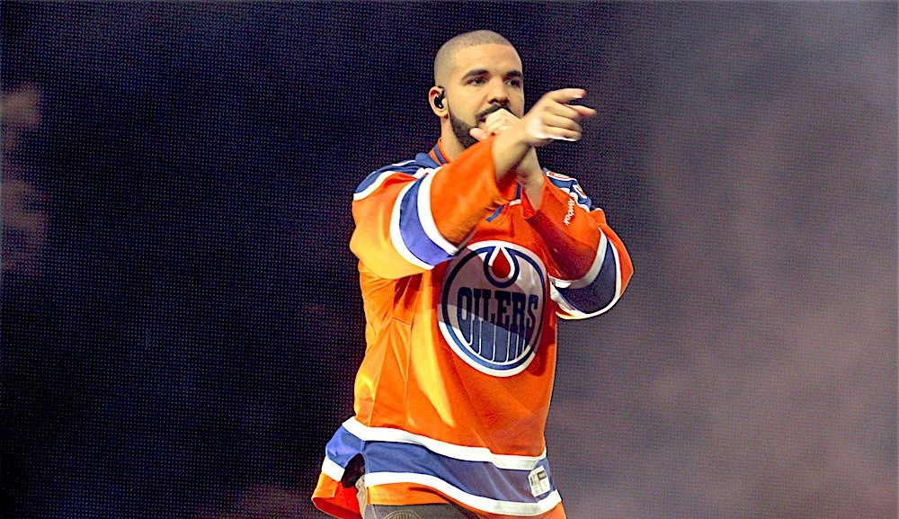 Review: Drake took over Rogers Place for an energetic Summer Sixteen Tour (PHOTOS)