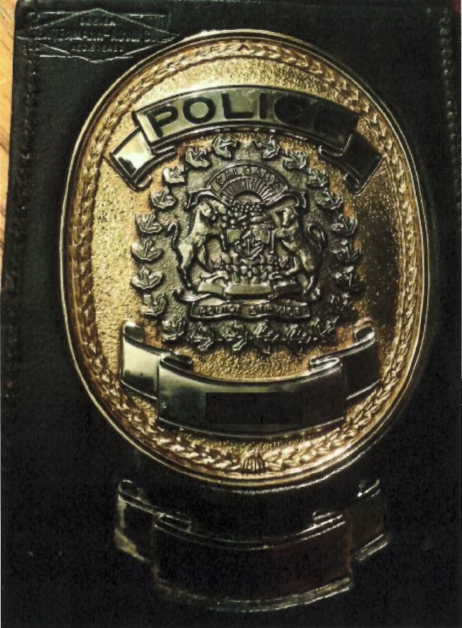 16 09 23 photo of stolen police badge