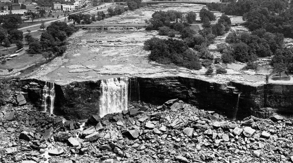 Niagara falls dry 1