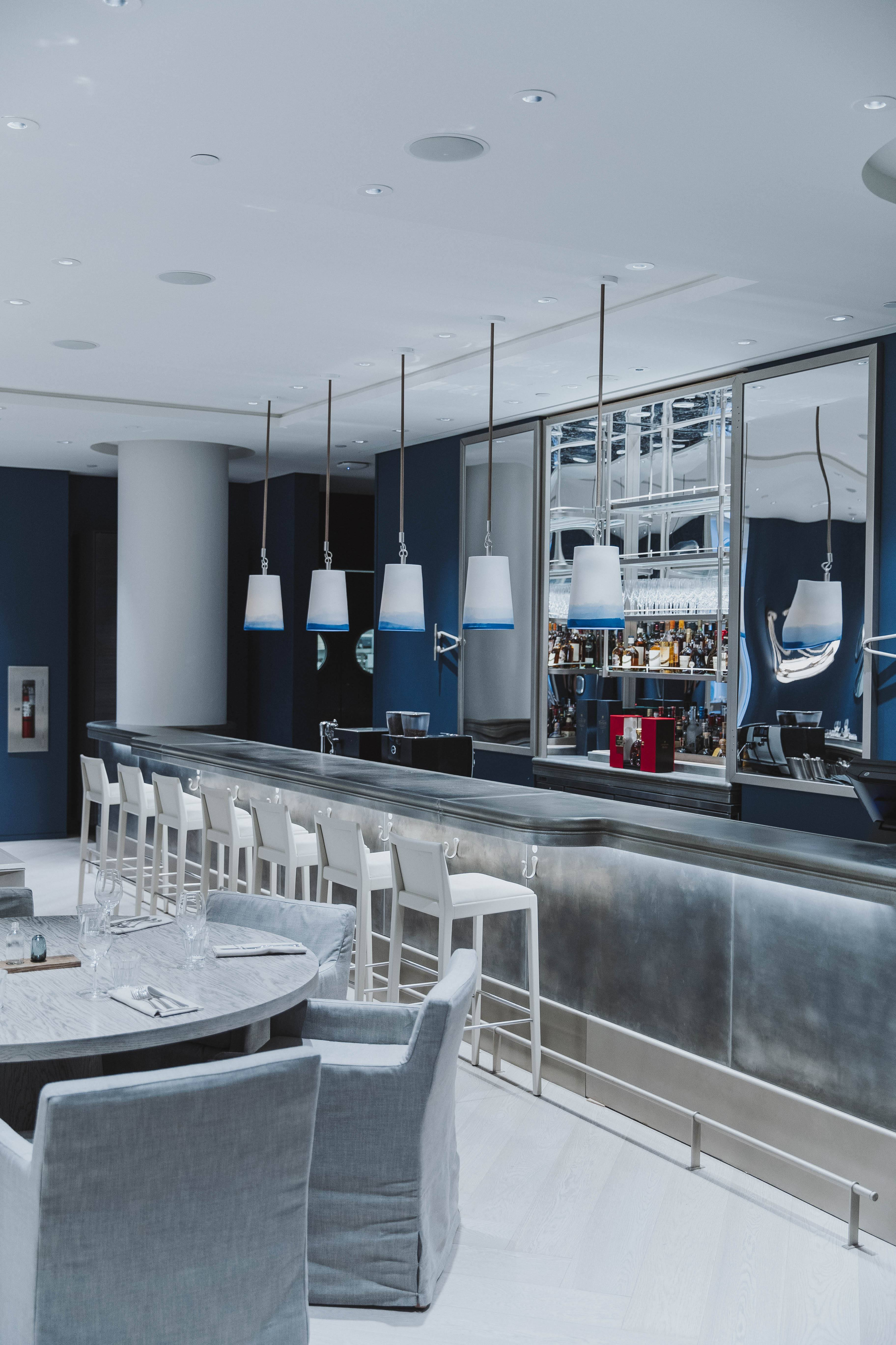 holts-cafe-vancouver-bar-2016