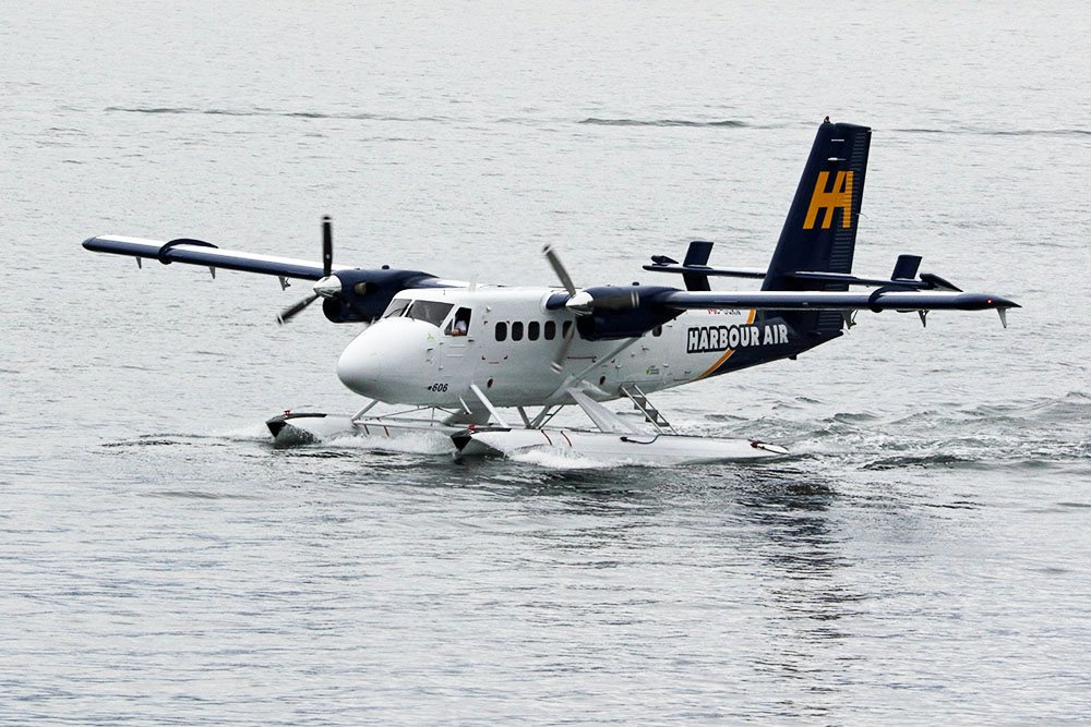 Will and Kate arriving by floatplane in Vancouver (Lindsay Barker/Daily Hive)