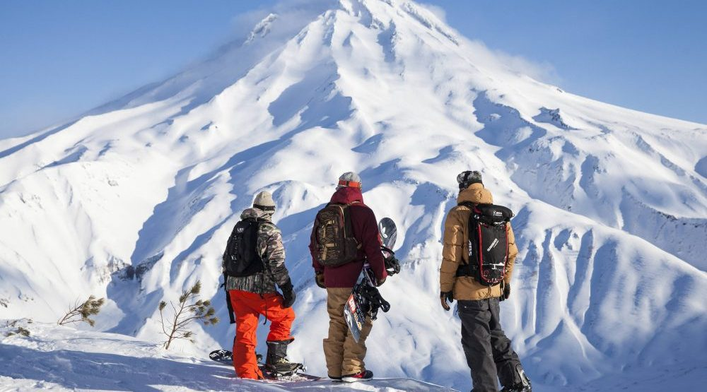 SNOWBOARD THE FOURTH PHASE 2016 The-fourth-phase-travis-rice-scott-serfas-red-bull-content-pool-e1475169241892